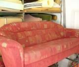 Sofa 2 vorher bezogen mit Stoff